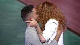 Sofía Cristo y Miguel Frigenti firman la paz con un beso y un abrazo en 'Secret Story'