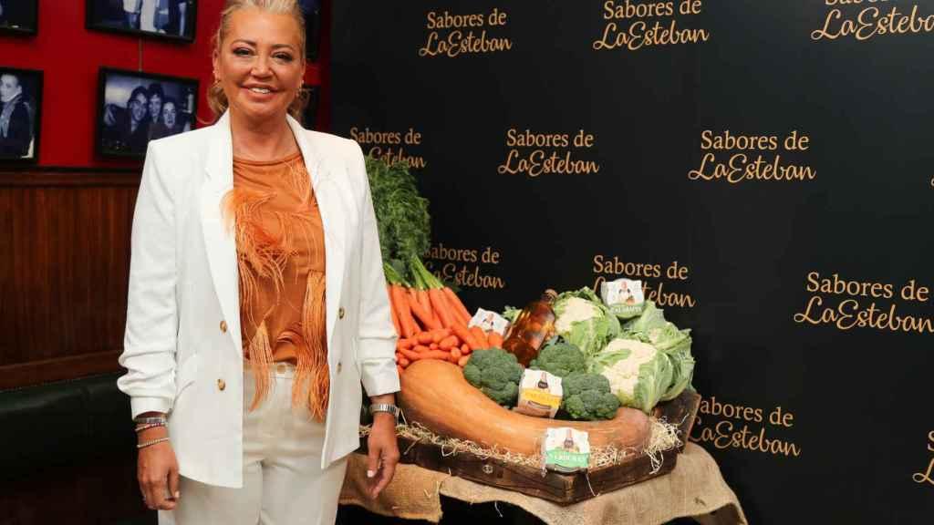Belén Esteban ha presentado las patatas fritas y las cremas de verduras de Sabores de la Esteban.