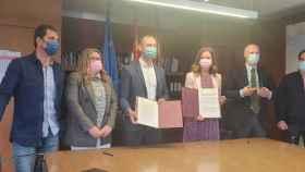 Firma del convenio de colaboración entre Texmocyl y la Junta
