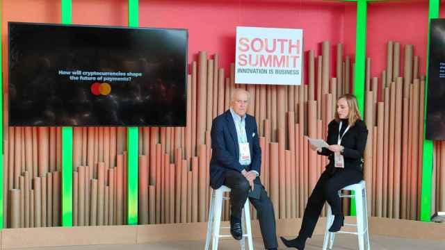 Paloma Real, Country Manager de Mastercard España, y  Baldomero Falcones, Senior Advisor en Bit2Me, durante su conversación en South Summit 2021.