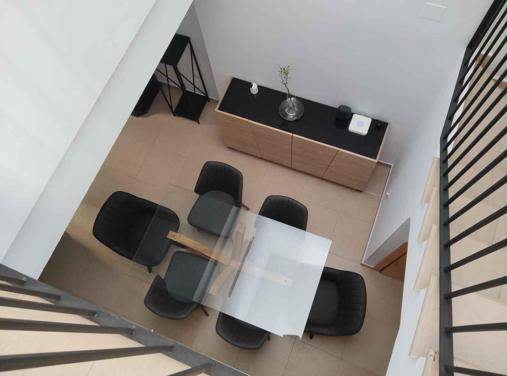 Fotografía interior con cámara trasera