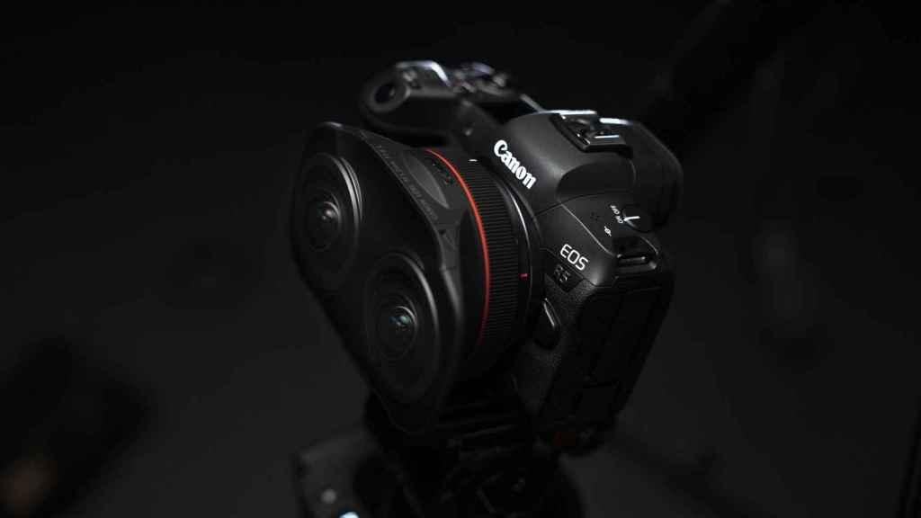 Objetivo RF 5.2 mm F/2.8 con una Canon EOS R5