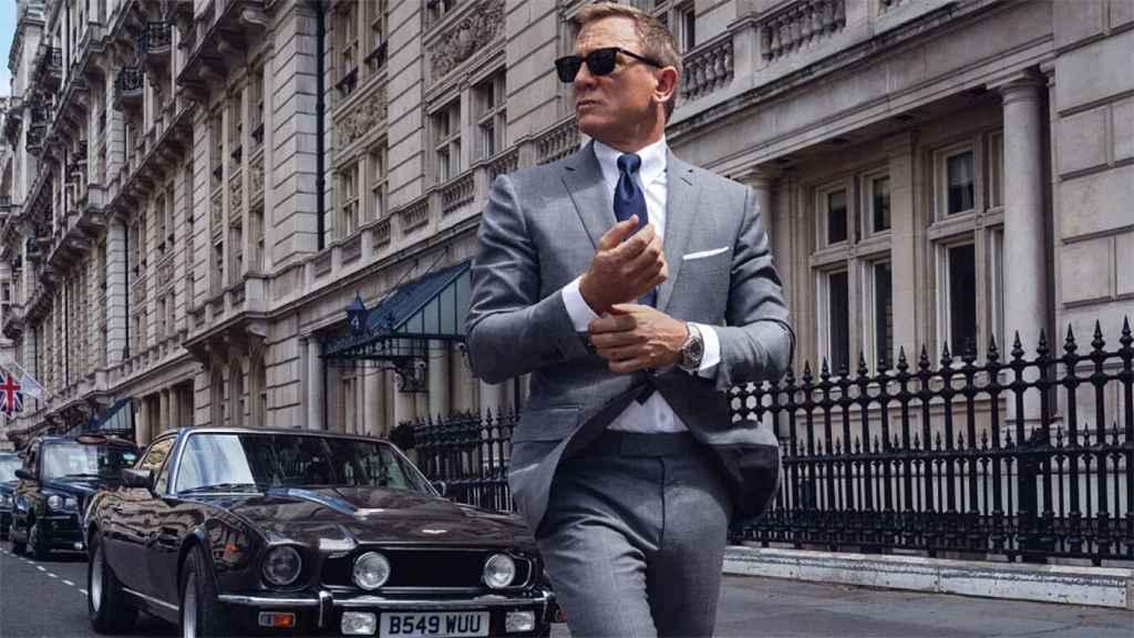 Daniel Craig con su Omega, en una escena de 'Sin tiempo para morir'.