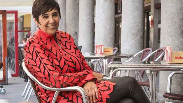 Nieves Concostrina presenta 'La historia en apuros' (Montena).