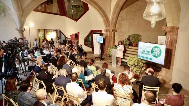 La presidenta balear, Francina Armengol, presenta la nueva estrategia innovadora para 2030.