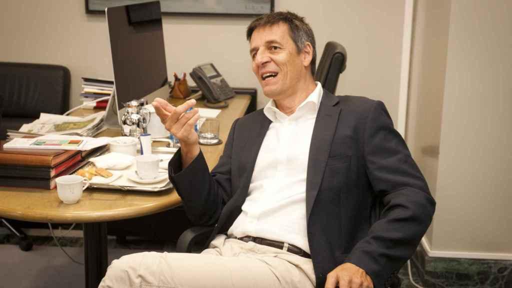 Didier Queloz,  premio Nobel de Física 2019, durante la entrevista con D+I. Foto: F. RAMÓN ARECES.