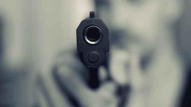 A punta de pistola, así atracó un joven de 25 años un local comercial en Elche