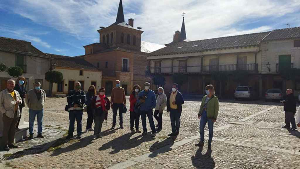 La monumentalidad de Martín Muñoz de las Posadas y el patrimonio arqueológico de Bernardos dejan admirados a los participantes del ciclo 'Viajero, yo te enseñaré Segovia'