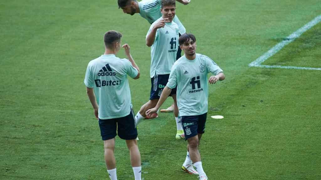 Rodri Sánchez, durante un entrenamiento con la selección española sub21 de fútbol