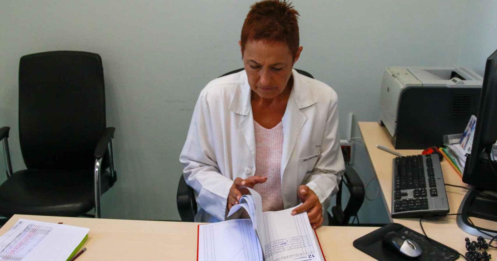 Ana Isabel Henche en su consulta.