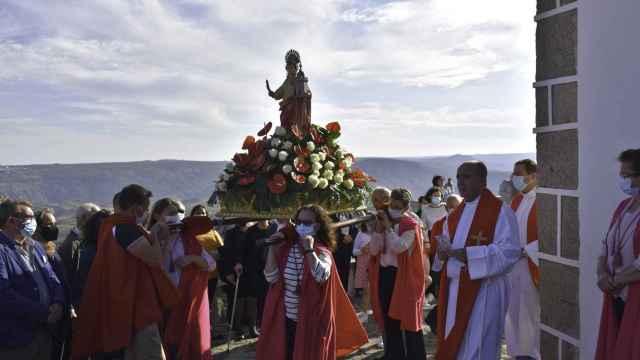 Imágenes de Santa Bárbara, la primera procesión en Bemposta (Portugal)