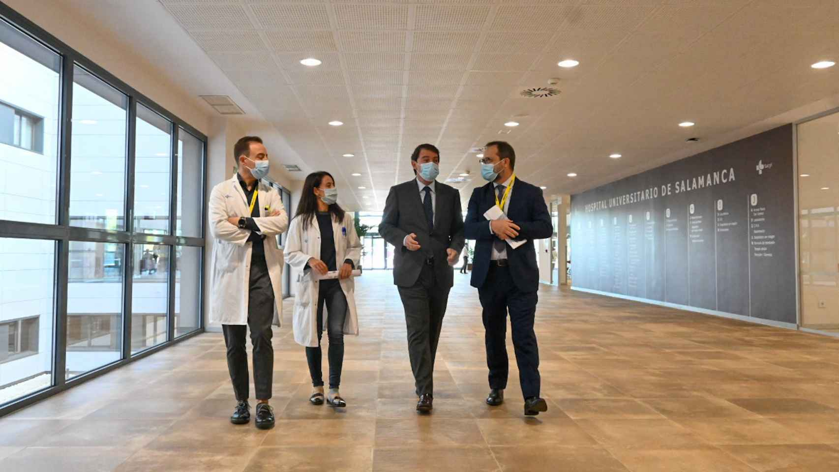 Imágenes de la visita de Fernández Mañueco al nuevo Hospital de Salamanca