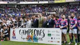 El Salvador y VRAC posan junto a Felipe VI tras la final de la LXXXIII Copa de SM el Rey