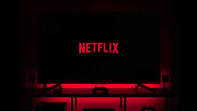 Netflix incrementa el precio de sus tarifas estándar y premium.