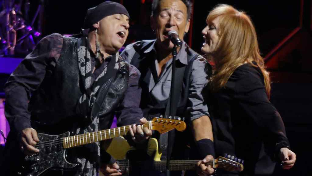 Stevie Van Zandt con la E Street Band de Bruce Springsteen en 2016.