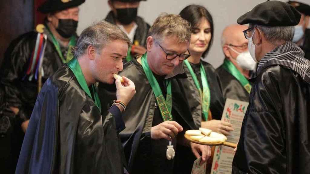 Iván Redondo, nombrado Cofrade de Honor del Queso Idiazábal, en su primer acto tras dejar el Gobierno.
