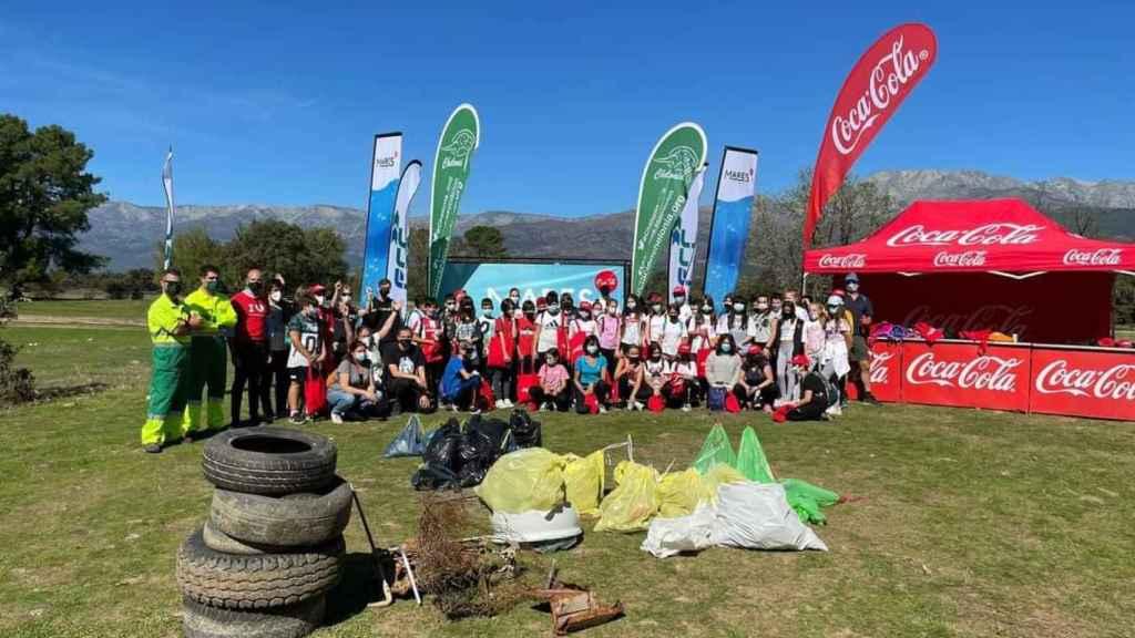 Participantes en la campaña de recogida de residuos