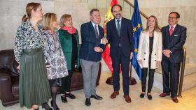 Reunión de García-Page con el embajador de la Representación Permanente de España ante la UE, en Bruselas. Foto: JCCM