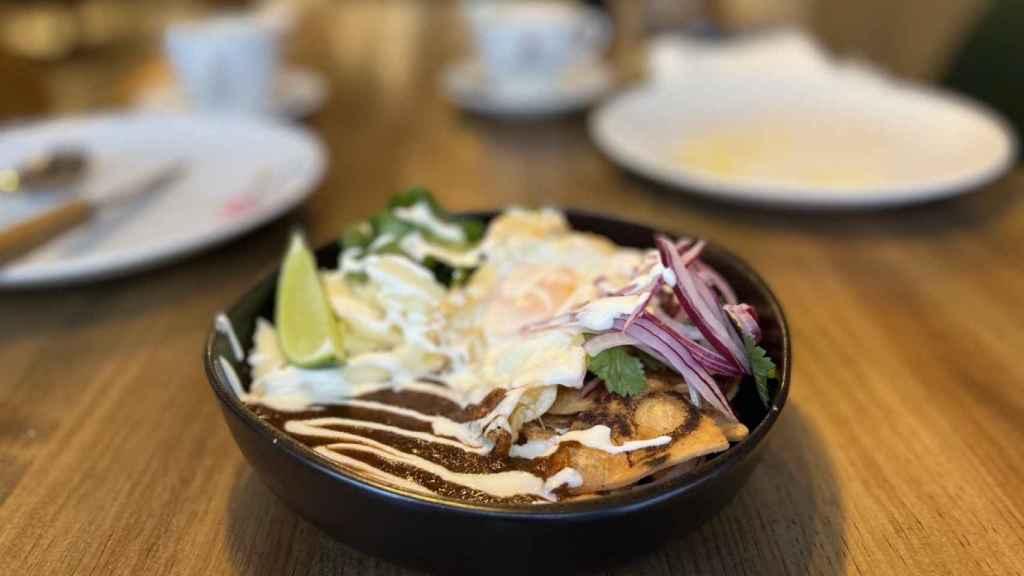 Chilaquiles para desayunar en Tres por Cuatro