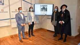 Carlos V junto a los miembros del Ayuntamiento de Valdestillas  y la Diputación de Valladolid