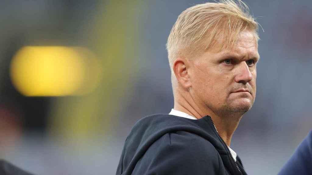 Alf Inge Haaland, antes de un partido del Borussia Dortmund