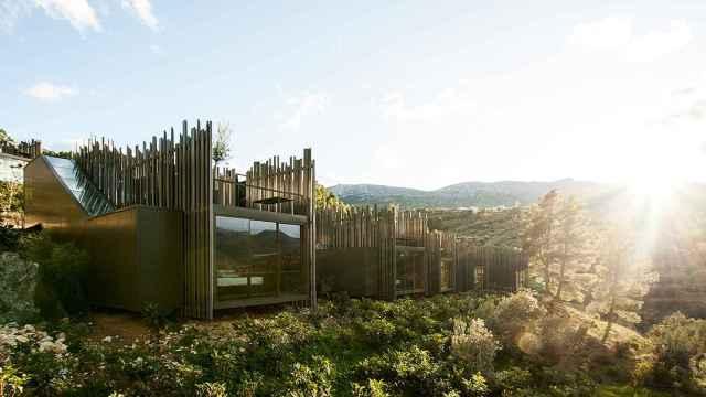 Este hotel de lujo en Benimantell, en el interior de Alicante, destaca que es solo para adultos.