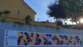 Los participantes en el programa Vallalexia plasman la diversidad en un mural