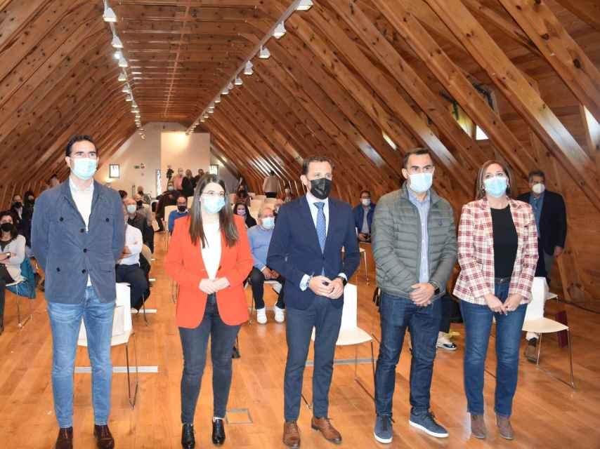 Miembros de la Diputación de Valladolid momentos previos a la presentación del servicio jurídico