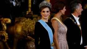 La reina Letizia con uno de sus Felipe Varela más aplaudidos.