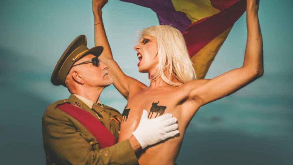 Una de las escenas del videoclip 'Por España' de Samantha Hudson.