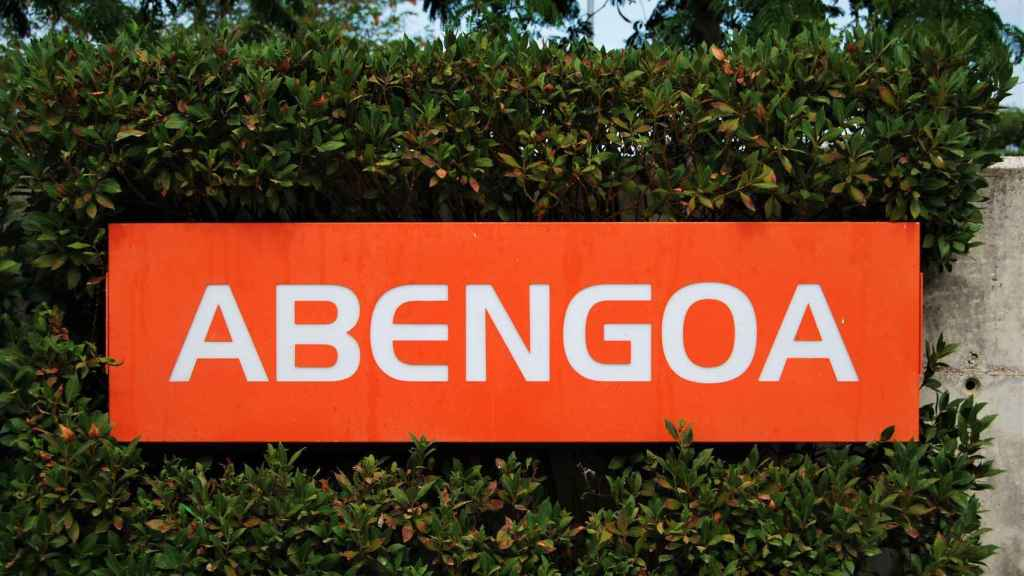 Cartel de Abengoa en su sede de Sevilla