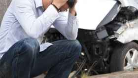 Un usuario se lamenta tras haber tenido un percance con su coche.