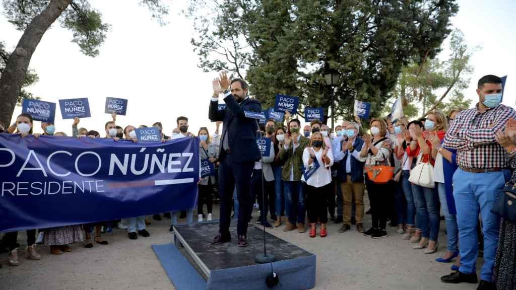 Paco Núñez estuvo arropado por numerosos simpatizantes