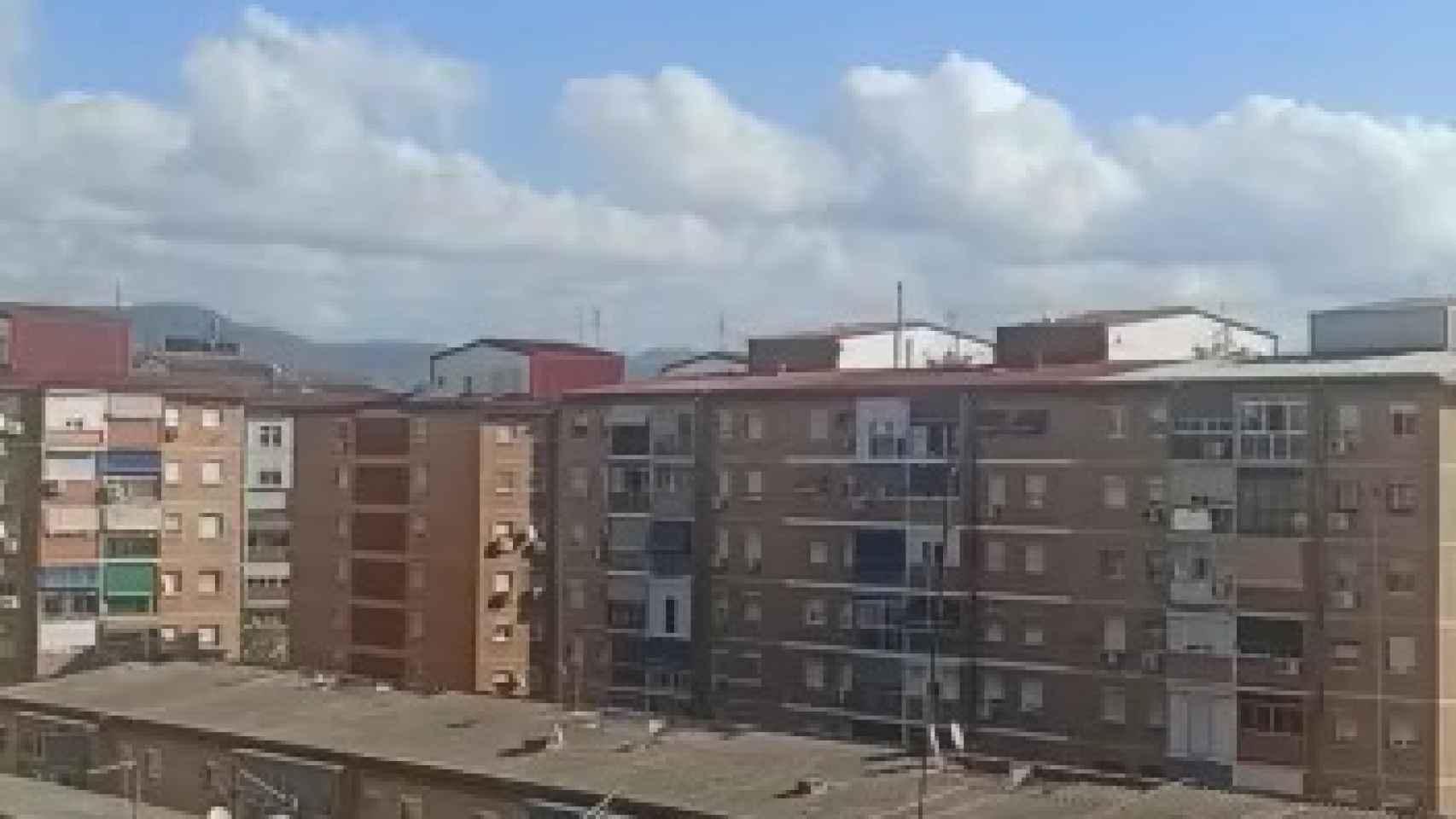 El ruido que ha causado el avión en un vídeo grabado desde la zona oeste de la capital.