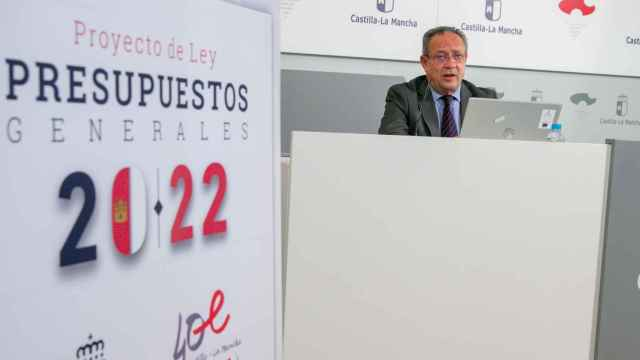 El consejero de Hacienda y Administraciones Públicas, Juan Alfonso Ruiz Molina, ha presentado el proyecto de Ley de Presupuestos Generales de Castilla-La Mancha para 2022.