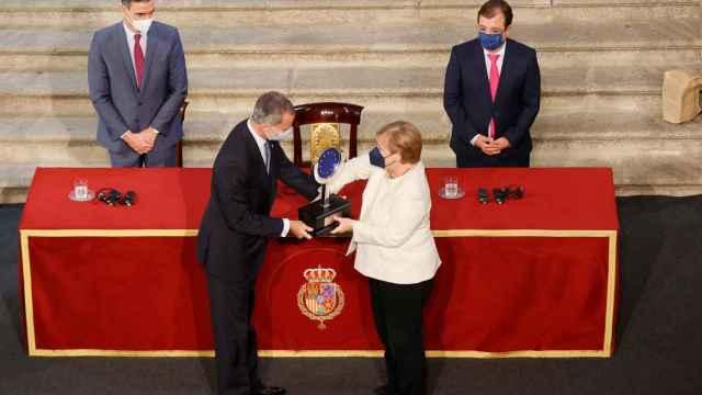 Merkel recibe el  Premio Europeo Carlos V.
