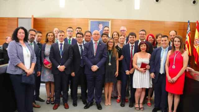 Foto de familia del grupo municipal socialista el día de la investidura en mayo de 2019.