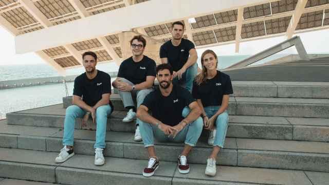 El equipo de Deale está formado por gente joven y ofrece a las pymes soluciones alternativas para lograr financiación más allá de la recurrente solicitud a los bancos.