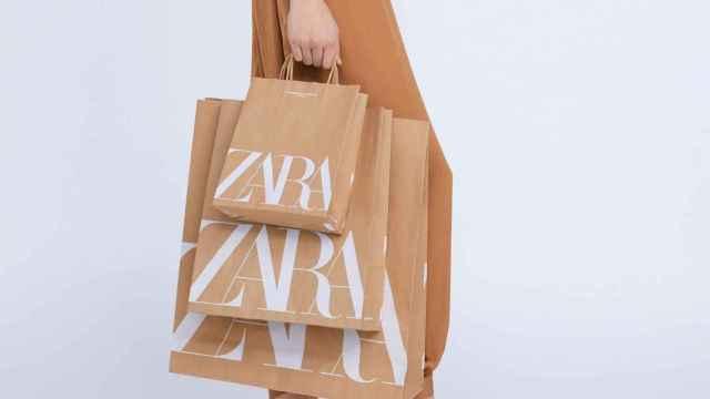 Zara y el resto de tiendas de Inditex cobrarán por las bolsas a partir del lunes