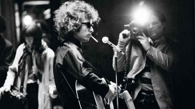 Bob Dylan en un concierto en 1966, fotografiado por el francés.