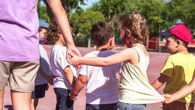 Niños en un campamento urbano de Colmenar Viejo (Madrid).
