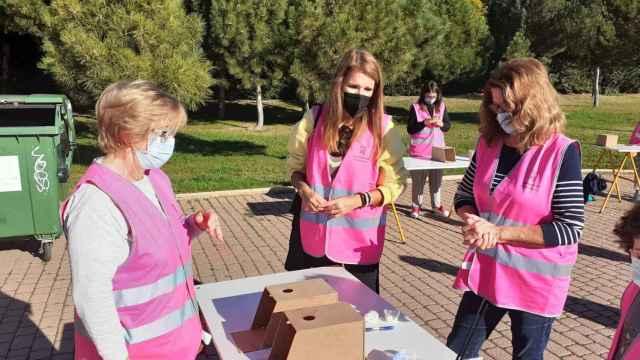 40 voluntarios han participado en la construcción de cajas nido