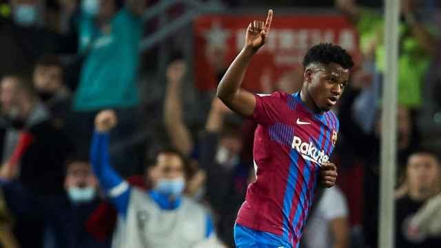 Ansu Fati celebra un gol ante el Valencia