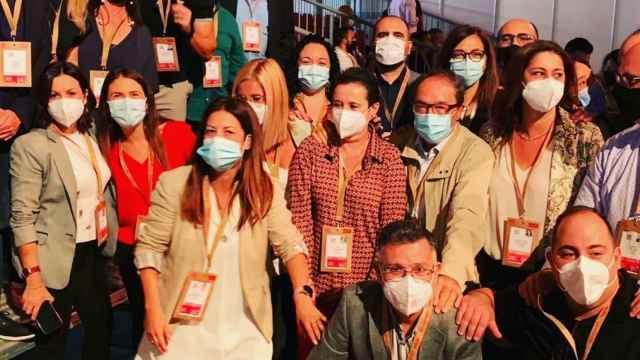 Alejandro Bas en la comitiva del PSOE de Alicante en el congreso del pasado fin de semana.