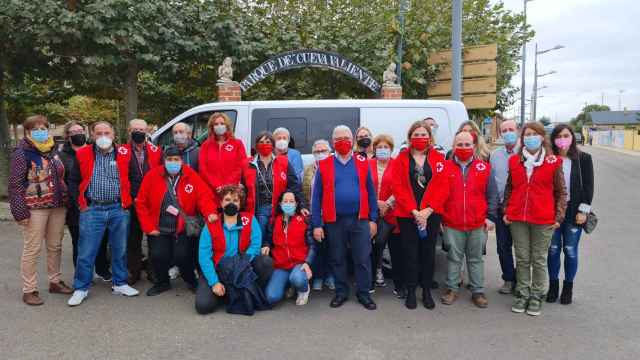 Visita a la agrupación comarcal de Cruz Roja en Mayorga