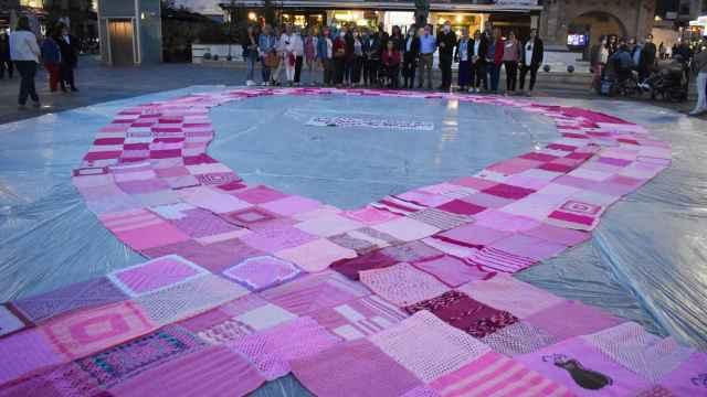 Imágenes del día en Castilla-La Mancha: Ciudad Real se ilumina contra el cáncer de mama