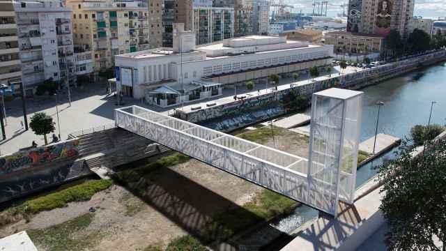 Diseño del puente elegido para cruzar el Guadalmedina a la altura del CAC.