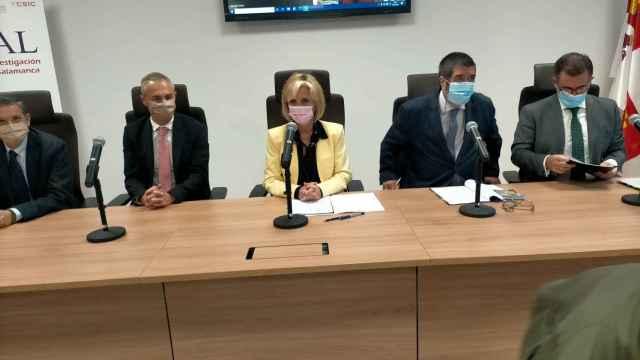 Verónica Casado preside la reunión del Patronato de la Fundación del IBSAL