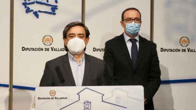 Agapito Hernández, en primer plano junto a Víctor Alonso