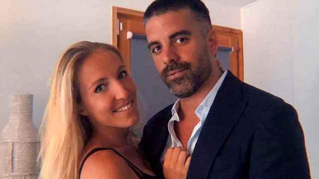 Mark Hamilton, ex de María Lapiedra, y su pareja, Miriam, en una imagen de sus redes sociales.